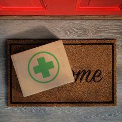 Farmaci a domicilio: i servizi funzionano e sono comodi, ma serve una normativa chiara
